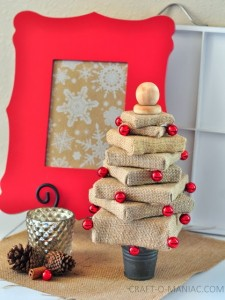 DIY Burlap Canvas Christmas Tree