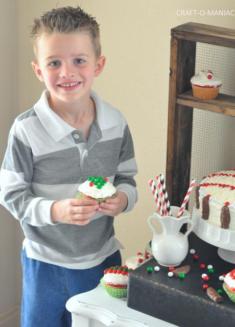Festive Christmas Cake and Cupcakes