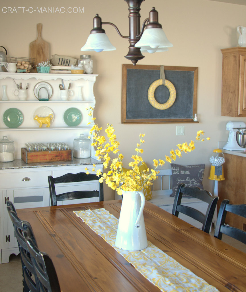 Rustic farm chic kitchen decor with vintage items for Kitchen decoration photos
