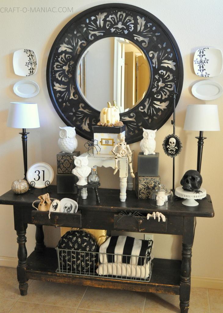 black and white halloween decor. Black Bedroom Furniture Sets. Home Design Ideas