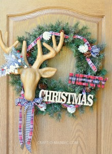 DIY Christmas Plaid and Reindeer Wreath