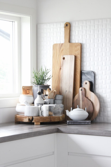 lovely kitchen counter deco | 15 Neutral Kitchen Decor Ideas - Craft-O-Maniac