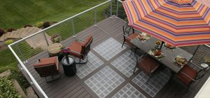 Deck Remodeling: DIY or Hire a Pro?