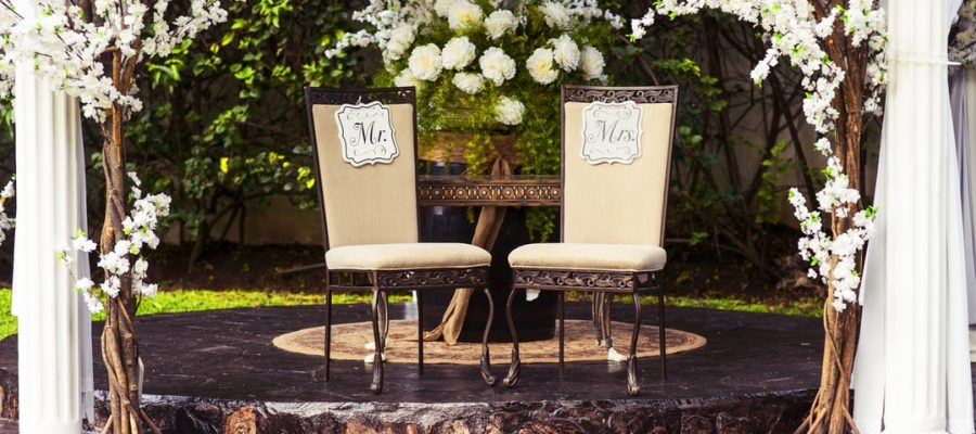 DYI-ing a Backyard Wedding? Rent These Items to Make it  Happen