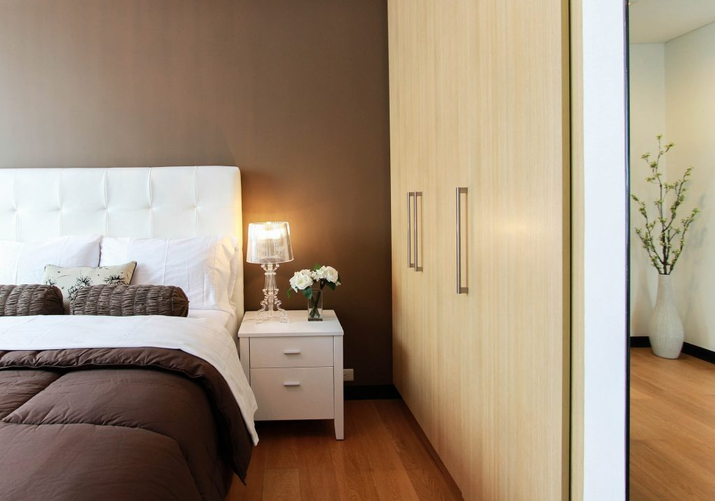 6 Steps to a Simple Bedroom Makeover