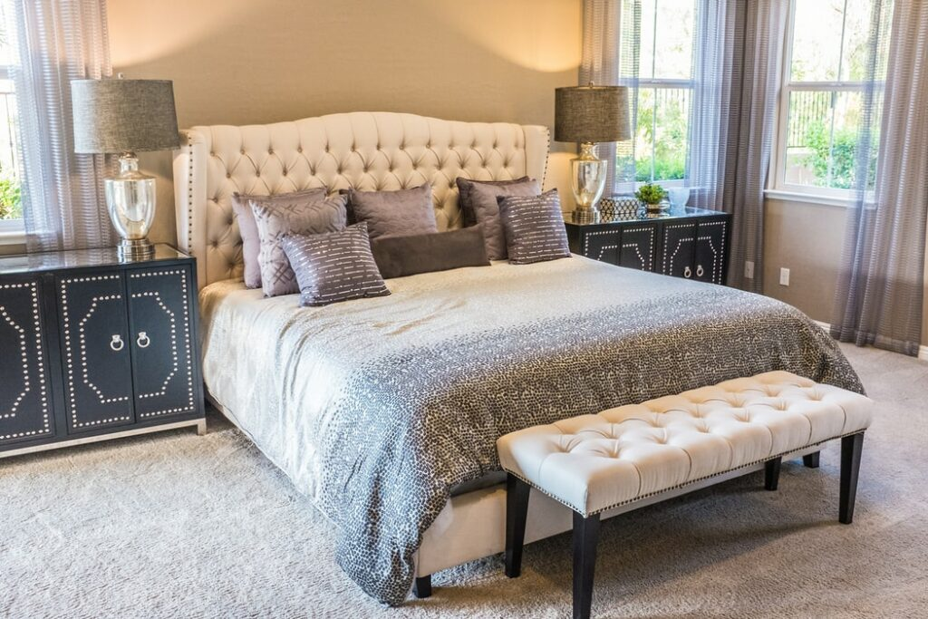 How To Channel Movie Star Glamour When Decorating Your Bedroom